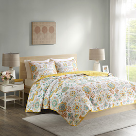Bedding showcase quilts and coverlets