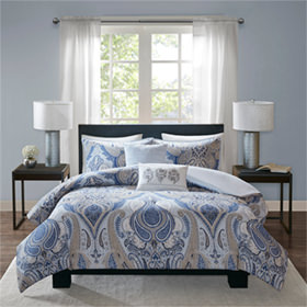 Bedding Comforters Aug17